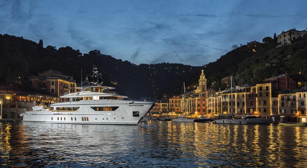 460Explorer_Baia Portofino_sera