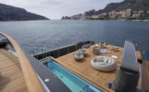 03 - Sanlorenzo 460Exp - main deck